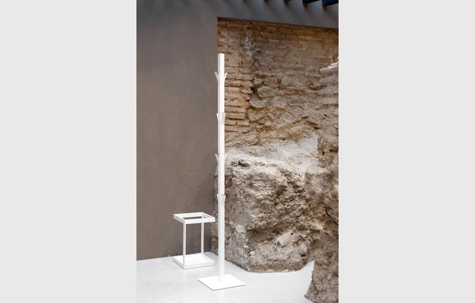 complementos-viccarbe-perchero-window
